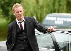 Laurence Fox as DI James Hathaway, Lewis Inspector Lewis, Inspector Morse, Detective, Laurence Fox, Mystery Show, Bbc Tv Shows, Rudolph Valentino, Knight In Shining Armor, Blonde Color
