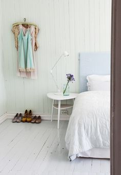 Wooden boards and white sheets