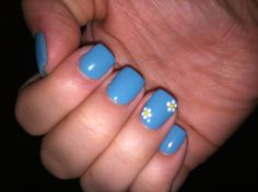 easy easter nails, trendy nails, spring nails, flower nails, colors, flower manicure, nail arts, daisi flower, little flowers