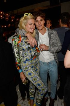 Oliver Cheshire and Pixie Lott were snuggling up in style last night at the #houseoffraser and Shortlist #lcmclosingparty.