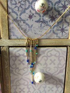Le collier or et ces perles bleues par GaelleAtelier sur Etsy https://www.etsy.com/fr/listing/556543693/le-collier-or-et-ces-perles-bleues