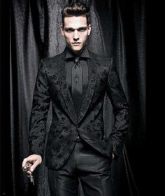 Men's Dinner Suits - Are you looking for a dinner suit this month? Gentlemen, it's time to ditch the traditional classic dinner suit or tuxedo. Mens Dinner Suits, Corporate Goth, Gothic Men, Gothic People, Goth Guys, Gothic Wedding, Vampire Wedding, Geek Wedding, Medieval Wedding