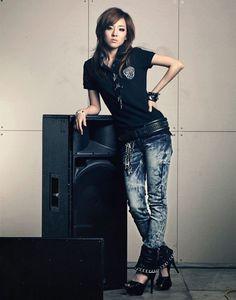 Sandara Park gorgeous look! Korean Fashion Kpop, Korean Fashion Dress, Korean Fashion Summer, Korean Fashion Casual, Diva Fashion, Skirt Fashion, Womens Fashion, 2ne1 Dara, Sandara Park