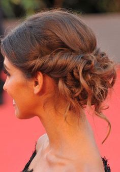 Untidy harvest The Cuban model Ariadna Romero (testimony of Cotril) … - Wedding Hairstyles Elegant Hairstyles, Bride Hairstyles, Messy Hairstyles, Corte Y Color, Magic Hair, Love Hair, Bridesmaid Hair, Hair Looks, New Hair