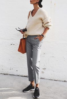 Monday be like wearing neutral tones