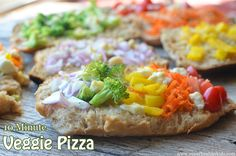 Quick 10 minute dinner- veggie pizzas (another way to eat the rainbow!) Super Healthy Kids, Healthy Meals For Kids, Kids Meals, Family Meals, Healthy Snacks, Healthy Recipes, Broccoli Recipes, Pizza Recipes, Cooking Recipes