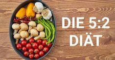 """Die 5:2 Diät ist eine Form des Intervallfastens, die zum Abnehmen angewendet wird. Dabei isst man jede Woche 5 Tage """"normal"""" und fastet für 2 Tage."""