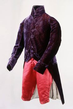Justaucorps, waistcoat and breeches, 1800 - The purple velvet with the orange is delicious! Purple Coat, Purple Velvet, Historical Costume, Historical Clothing, Period Color, Frock Coat, Court Dresses, 18th Century Fashion, Moda Masculina