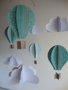 mobile en papier montgolfières et nuages We are want to say Mobil Origami, Origami Mobile, Paper Mobile, Origami Lamp, Air Balloon, Balloons, Nursery Decor, Room Decor, Diy And Crafts