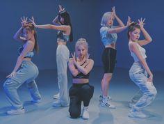 Kpop Girl Groups, Korean Girl Groups, Kpop Girls, Kpop Outfits, Girl Outfits, Mafia Outfit, Disney Princess Fashion, Got7 Jackson, New Girl
