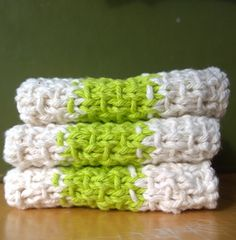 Super Simple Slip Stitch Dishcloths: FREE knitting pattern