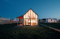 IST-Family House / JRKVC
