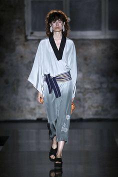 Maria Roch  - Spring-Summer 2018 Barcelona Womenswear Catwalks