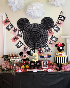 MY SON GARRISON IS HAVING THIS THEME FOR HIS BIRTHDAY THIS YEAR!! Mickey Mouse Pirate Party. LOVE THE IDEAS THIS GIVES ME.
