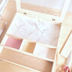 Lock and Keep Box | These beautifully presented keepsake boxes are a cross between a shadow box and memory box. Originally made to house your newborn's memories, there are so many other uses for this versatile box. #keepsakebox #memorybox #babybox #storagebox #woodenbox #jewellerybox #weddingbox
