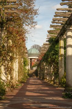 London's Secret Gardens! The Hill Garden and Pergola in Hampstead is one of the most romantic places in the city.