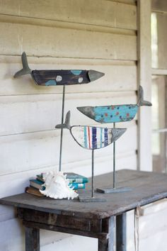 Kalalou Painted Wooden Fish on Rustic Stands - Set Of 3 is a state of the art piece. These adorable wooden fish are interesting creatures. This decorative from Kalalou will be a delightful addition to Fish Crafts, Beach Crafts, Driftwood Crafts, Wooden Crafts, Driftwood Fish, Deco Marine, Lake Decor, Creation Deco, Sea Art