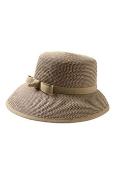 Would not have known it's a squishy straw hat...kinda like Audrey Hepburn's iconic look...