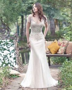 ¿Estás buscando un vestido de novia de estilo vintage? Entonces no te pierdas a continuación los 15 vestidos de este estilo que tenemos para tu máxima inspiración.