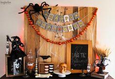 DIY Halloween : DIY Spooky Halloween Mantel and Banner DIY Halloween Decor