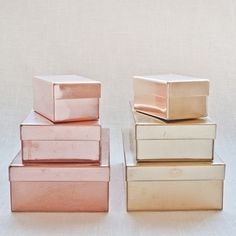 Muhs Home storage boxes in rose gold (copper) and brass Copper Rose, Rose Gold, Copper And Brass, Copper Decor, Pretty Storage Boxes, Box Storage, Office Storage, Deco Rose, Do It Yourself Inspiration