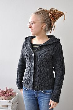 Ravelry: majjjj's Cabled hoodie