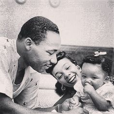 Martin Luther King with wife and daughter