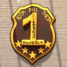 """Gift for my friend who just joined Iota Phi Theta Fraternity, Incorporated during the Spring 2015 semester. I called this one """"WaytoGO"""" Theta, Fraternity, Spring 2015, Sorority, Diy Crafts, Paddle, Diys, Graduation, Greek"""