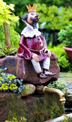 Bild: Blauer Kugelfisch  Der Urahn der figürlichen Gartengestaltung, der Gartenzwerg, war wohl der Anfang für diese noch nicht so alte ...