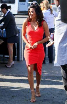 Eva Longoria Photos: Eva Longoria Drops by the 'Extra' Set