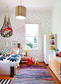 Keltainen talo rannalla: Värikkäitä koteja / Get started on liberating your interior design at Decoraid (decoraid.com)