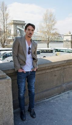 Jonathan Rhys Meyers - Blazer and jeans
