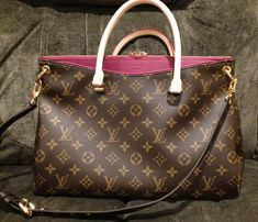 Louis Vuitton, Pallas in Aurore. This bag came out in January It's gorgeous but I fell in love with the Montaigne MM! Louis Vuitton Jewelry, Louis Vuitton Store, Louis Vuitton Handbags, Louis Vuitton Speedy Bag, Purses And Handbags, Louis Vuitton Sarah Wallet, Louis Vuitton Monogram, How To Make Handbags, Cute Purses