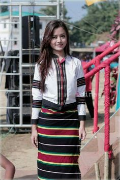 Mizo attire Indian Ethnic, Indian Girls, Ethnic Fashion, Modern Fashion, North East Indian, Western Outfits, Traditional Dresses, Fashion Outfits, Womens Fashion