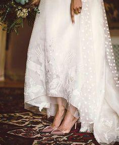 Las tradiciones de una boda: algo viejo, algo nuevo, algo prestado y algo azul.