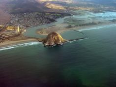 Morro Rock Morro Bay, CA, MAN i love love love the central coast!!  Miss this place so much!