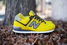 "New Balance 574 :windbreaker"" yellow"