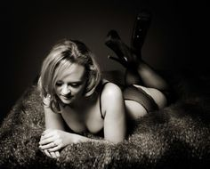 Boudoir Photography to Build Confidence. A Fun, Empowering Experience with Female Photographer in Lovely, Private Countryside Studio. All Sizes & Ages. Glamour Photo, Bridal Boudoir, Confidence Building, Female Photographers, Boudoir Photography, Photo Studio, Countryside, Poses, Portrait