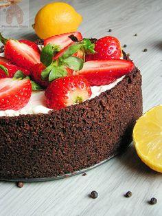 Obłędnie pyszny serniczek cytrynowy z truskawkami i czarnym pieprzem   PIERNIKOWA CHATA Strawberry, Fruit, Cook, Recipes, Strawberry Fruit, Ripped Recipes, Strawberries, Cooking Recipes
