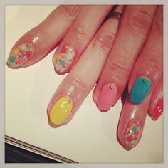 ドット敷き詰めアートネイル #avarice #art #design #nails #nailart #nailsalon #dot #kayo #summer (NailSalon AVARICE)