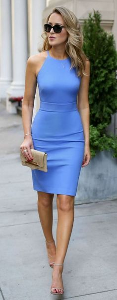 beautiful outfit idea for work : blue bodycon dress + clutch + heels