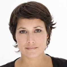 Annechien Steenhuizen  - 2020 Dark brown hair & alternative hair style.