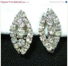 Vintage Clear Rhinestone Earrings Silver Tone Clip On.