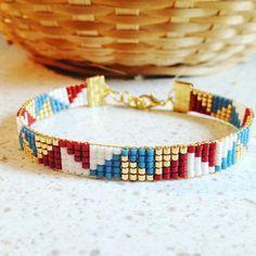 Bracelet woven with miyuki beads Loom Bracelet Patterns, Bead Loom Bracelets, Bead Loom Patterns, Beaded Jewelry Patterns, Beading Patterns, Gold Bracelets, Handmade Bracelets, Handmade Jewelry, Miyuki Beads
