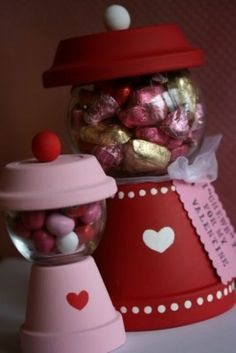Flower Pot Gumball Candy Machine - DIY Home Decoration Ideas for Valentine's Day. Easy to make Home Decor Crafts for Valentine's Day. Homemade Valentines ideas for mantle decorating, party tables, yard art, heart garland, valentine trees, kids rooms and more! LivingLocurto.com