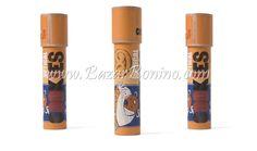 Questo caleidoscopio contiene forme di biscottini colorati per immagini spettacolari! Decorato come una confezione di biscotti! Misure : 19,4 x 3,8 cm Peso: 0,080 kg Materiale :cartone e specchio Concept : Londji Illustrazione : Can Seixanta