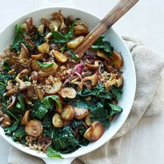 Sunchoke-Kale Hash with Farro. she used half the amount of kale and sunchokes, but kept the same amount of mushrooms and farro. you could make it vegan (no butter) or use a different kind of grain if you wanted. Farro Recipes, Wine Recipes, Great Recipes, Vegetarian Recipes, Cooking Recipes, Healthy Recipes, Sunchokes Recipes, Healthy Meals, Cooking Kale