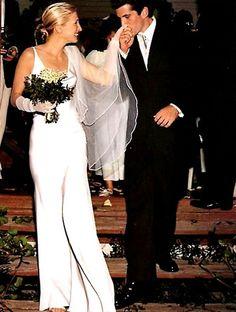 La robe épurée de Carolyn Bessette mariage