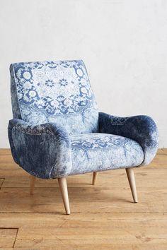 Slide View: 1: Rug-Printed Losange Chair