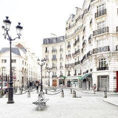 Parisian courtyards - Vicki Archer // https://www.instagram.com/vickiarcher/